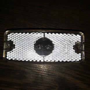 Priekšējā gabarītgaismas luktura stikliņš